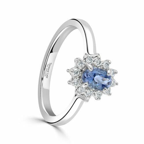 18ct White Gold Oval Cut Aquamarine & Round Brilliant Diamond Cluster Ring